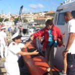 Soccorsa imbarcazione a vela, a bordo due bambini e una donna incinta